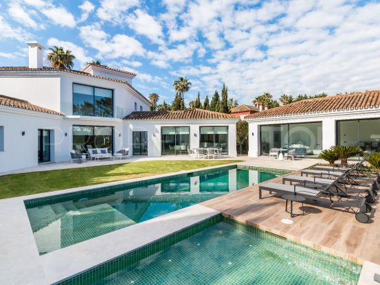 Buy villa in Sotogrande Costa with 5 bedrooms | SotoEstates