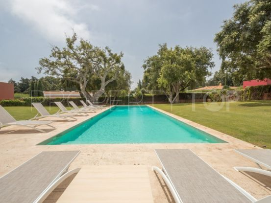 Buy villa with 5 bedrooms in Sotogrande Costa | SotoEstates