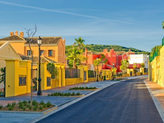 For sale villa in Los Cortijos de la Reserva with 4 bedrooms | SotoEstates