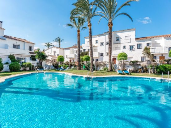 For sale town house with 3 bedrooms in Los Naranjos Country Club, Nueva Andalucia | Nordica Sales & Rentals