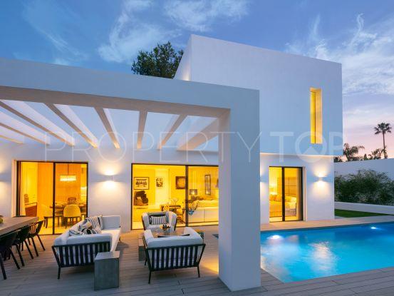 For sale villa with 4 bedrooms in Guadalmina Alta, San Pedro de Alcantara | Key Real Estate