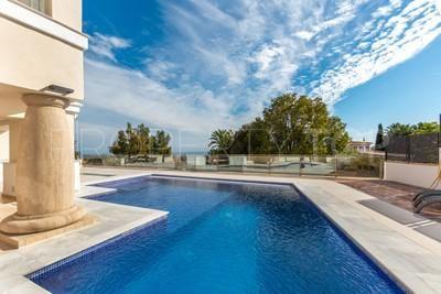 Buy Manilva villa with 5 bedrooms | Key Real Estate