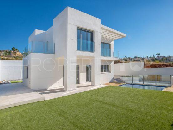 Villa for sale in Sierrezuela with 4 bedrooms   Key Real Estate