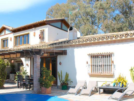 Villa with 5 bedrooms for sale in Estepona | Prime Location Spain