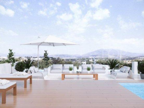 For sale 6 bedrooms villa in Altos de Puente Romano, Marbella Golden Mile | New Contemporary Homes - Dallimore Marbella