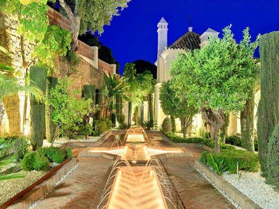Buy El Madroñal 4 bedrooms villa | Private Property