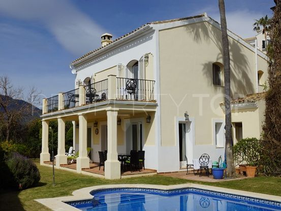 Villa with 4 bedrooms in Istan | Private Property