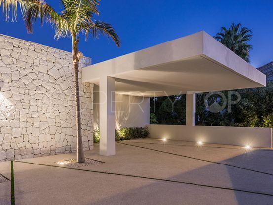 Buy villa with 5 bedrooms in La Alqueria, Benahavis | Private Property