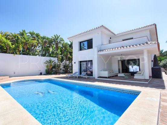 Buy house in Los Monteros Playa with 4 bedrooms | Residencia Estates