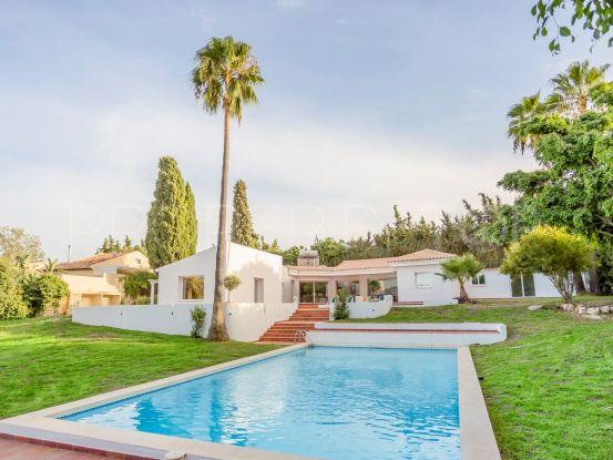 For sale villa with 4 bedrooms in El Padron | Residencia Estates