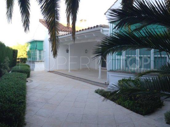 For sale villa with 3 bedrooms in El Capricho, Marbella Golden Mile | Prestige Expo