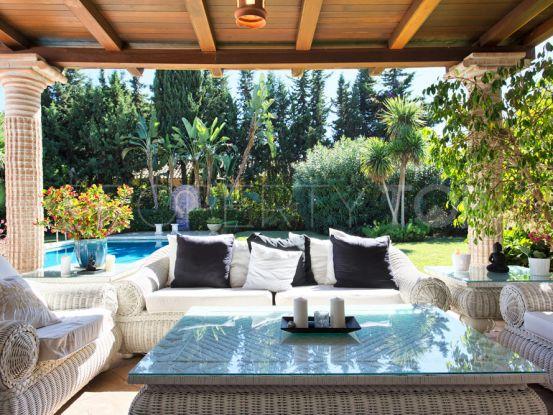 For sale El Paraiso Barronal 3 bedrooms villa   Riva Property Group
