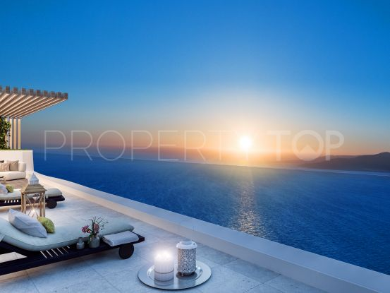 Penthouse for sale in Estepona with 4 bedrooms | Riva Property Group