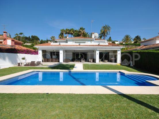 4 bedrooms villa in El Paraiso for sale | Value Added Property