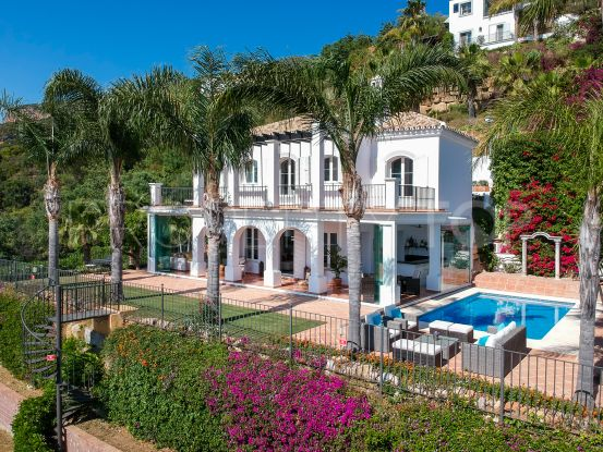 Villa for sale in Sierra Blanca Country Club with 3 bedrooms | Value Added Property