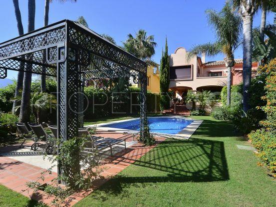Semi detached villa for sale in La Alzambra, Nueva Andalucia | Value Added Property