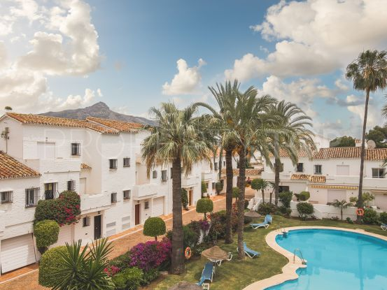 Town house with 3 bedrooms for sale in Los Naranjos Country Club, Nueva Andalucia   Value Added Property