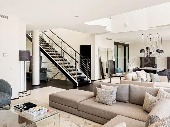 For sale 4 bedrooms villa in Sierra Blanca | Value Added Property