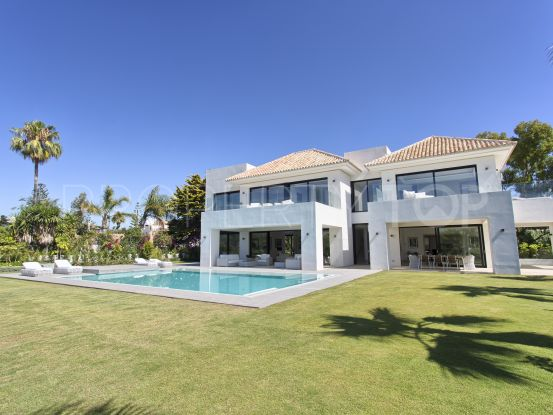 For sale villa in Guadalmina Baja with 5 bedrooms | Casa Consulting