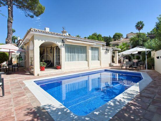 Villa for sale in Guadalmina Alta with 3 bedrooms | Marbella Hills Homes