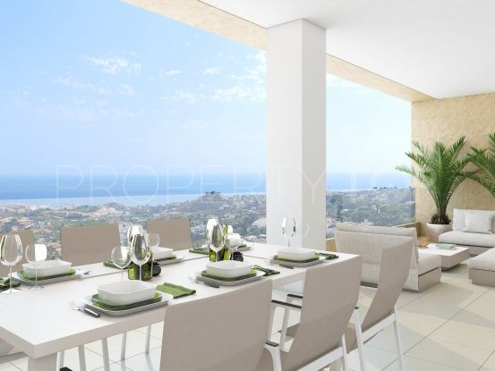 Buy penthouse in Benalmadena with 3 bedrooms | Marbella Maison