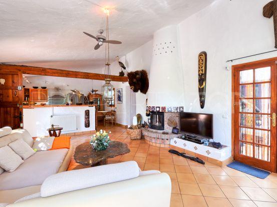 For sale villa in Los Reales - Sierra Estepona | Marbella Maison
