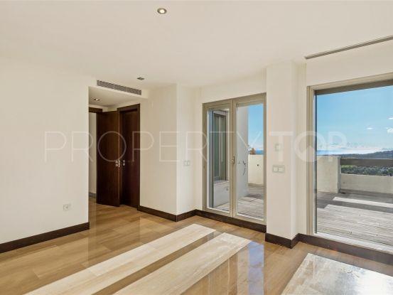 For sale penthouse with 3 bedrooms in La Reserva de Alcuzcuz, Benahavis | Marbella Maison