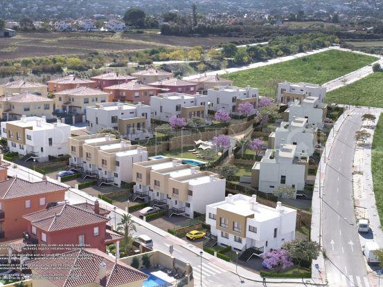 Adosado con 4 dormitorios en venta en Alhaurin de la Torre | Marbella Maison