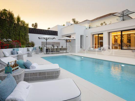 Nueva Andalucia 5 bedrooms villa for sale | LibeHomes