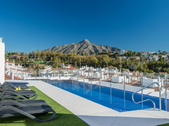 Penthouse with 2 bedrooms for sale in La Campana, Nueva Andalucia | LibeHomes