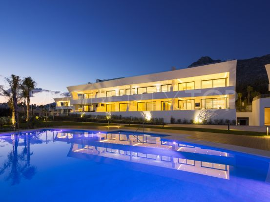 Penthouse with 4 bedrooms for sale in Marbella Golden Mile | LibeHomes