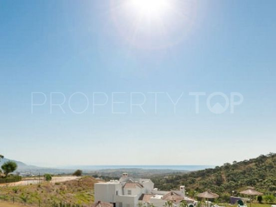 Penthouse with 3 bedrooms for sale in Elviria, Marbella East | LibeHomes