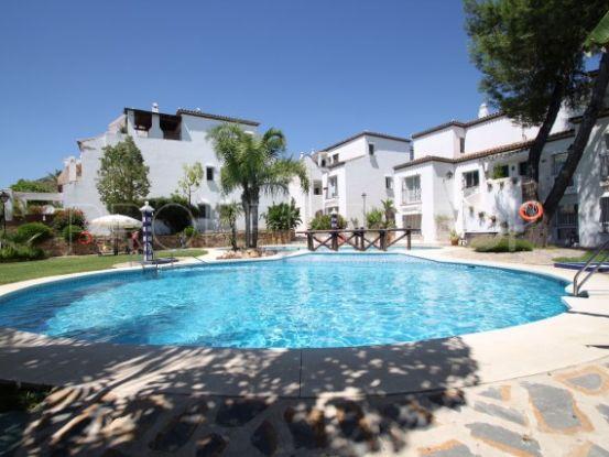 Duplex penthouse with 3 bedrooms for sale in Cortijo Nagüeles, Marbella Golden Mile | Loraine de Zara