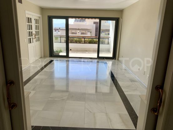 Buy flat in Marbella Centro with 4 bedrooms | Loraine de Zara