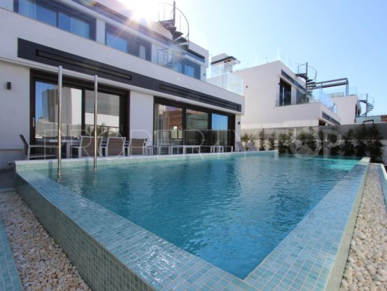 Semi detached villa for sale in Rio Verde Playa, Marbella Golden Mile | Loraine de Zara