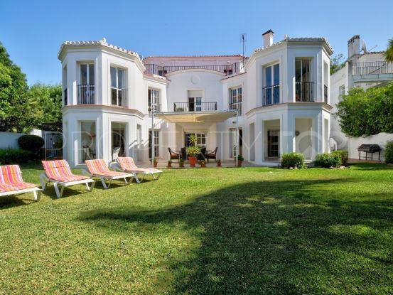 Buy villa in Seghers with 4 bedrooms | Easyestepona Properties