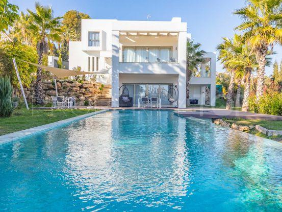 Buy villa in Benahavis with 5 bedrooms | Lucía Pou Properties
