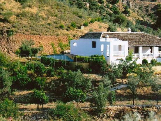For sale finca with 4 bedrooms in Almogia   Lucía Pou Properties