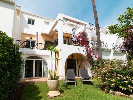 Comprar adosado de 4 dormitorios en La Quinta, Benahavis   Serneholt Estate