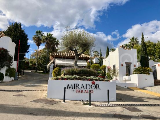 For sale town house with 3 bedrooms in Mirador del Paraiso, Benahavis | Cleox Inversiones