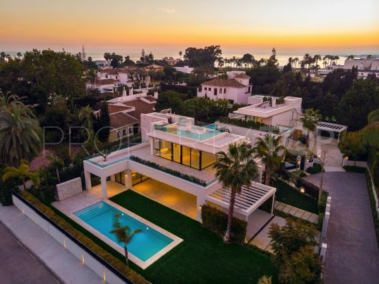 For sale villa with 4 bedrooms in Casasola, Estepona | Cleox Inversiones