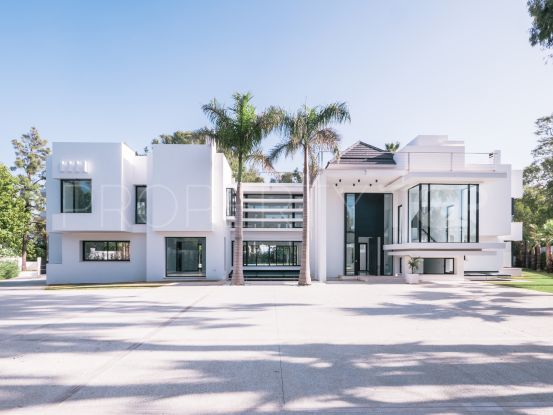 For sale 5 bedrooms villa in Guadalmina Baja, San Pedro de Alcantara | Cleox Inversiones