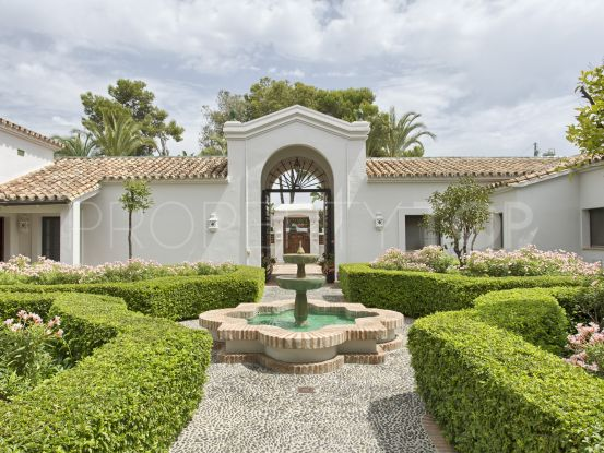 10 bedrooms Guadalmina Baja villa for sale | Cleox Inversiones