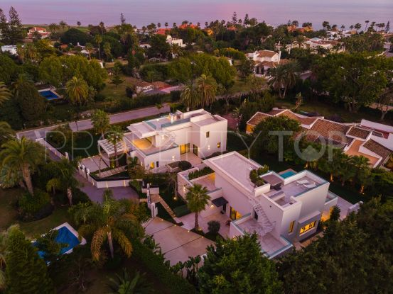 For sale villa with 4 bedrooms in Casasola, Estepona | Cleox Inversiones