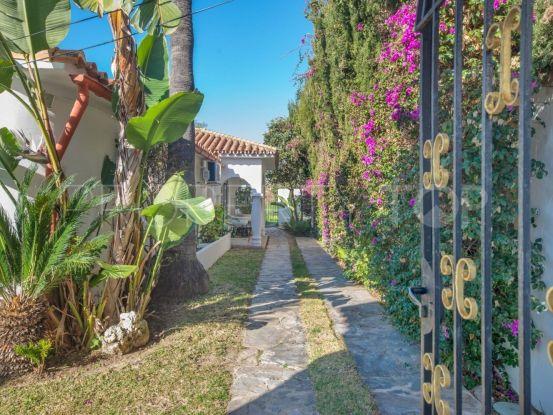 For sale villa with 6 bedrooms in Rio Real, Marbella East | Keller Williams Marbella