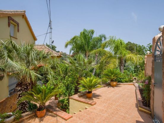 Buy Alhaurin el Grande chalet with 4 bedrooms | Keller Williams Marbella