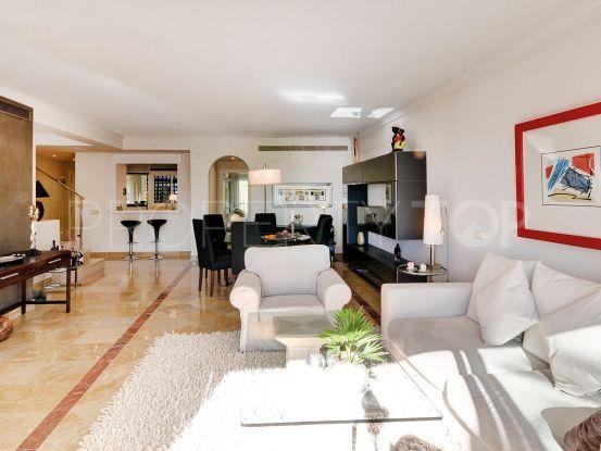 For sale duplex penthouse in La Quinta, Benahavis | Avante Real Estate & Investment