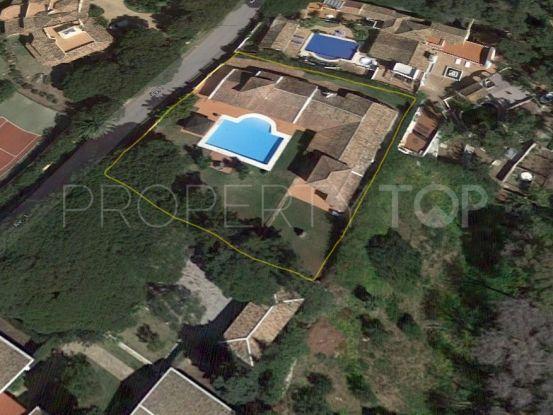 For sale villa with 5 bedrooms in Hacienda las Chapas, Marbella East | Vita Property