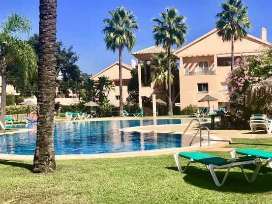 Buy apartment with 3 bedrooms in Elviria, Marbella East | Vita Property