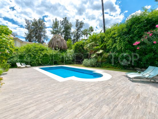 For sale villa in Aloha with 4 bedrooms | Vita Property